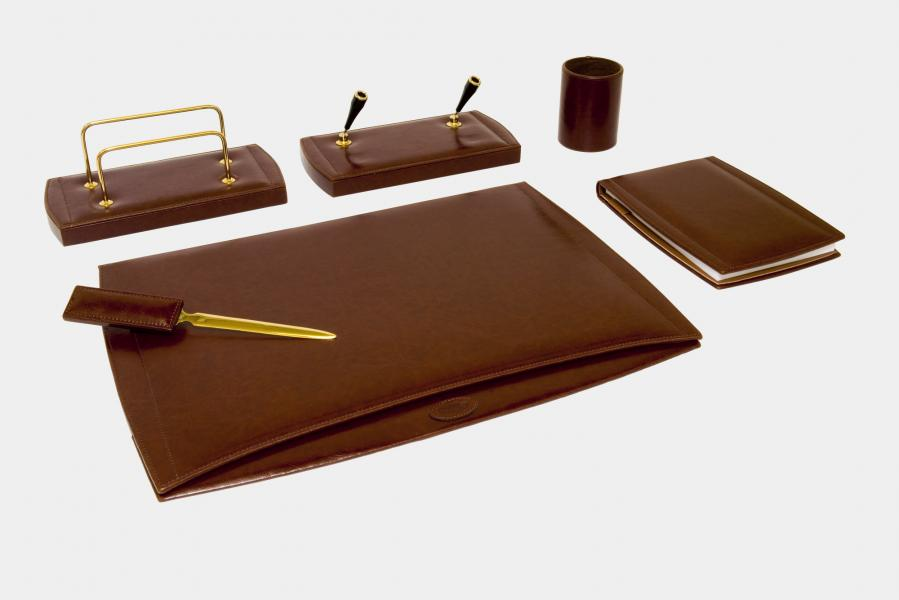 "6-pcs desk set in ""by Cast"" leather"